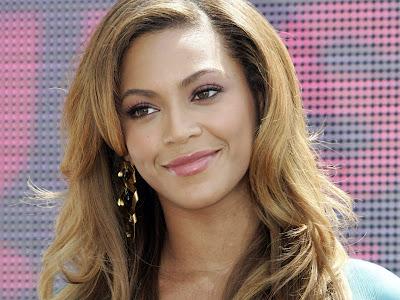 Beyonce Knowles Nice Smile Pic