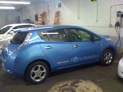 Hertz Nissan Leaf