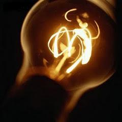 """""""O Conhecimento é como uma luz na escuridão""""."""