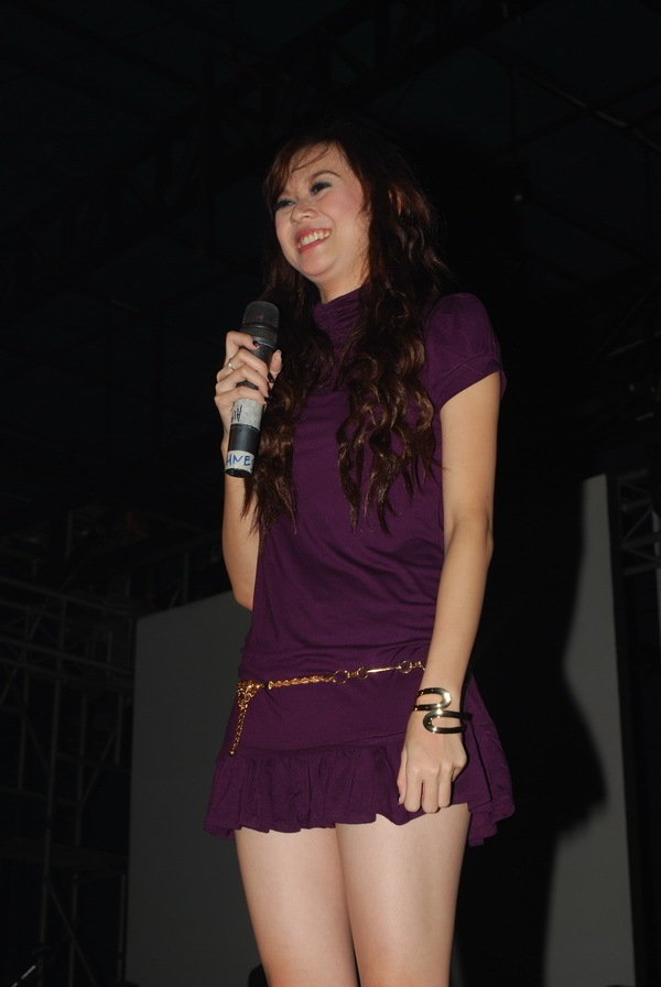 indonesian celebrity: foto bugil Aura Kasih