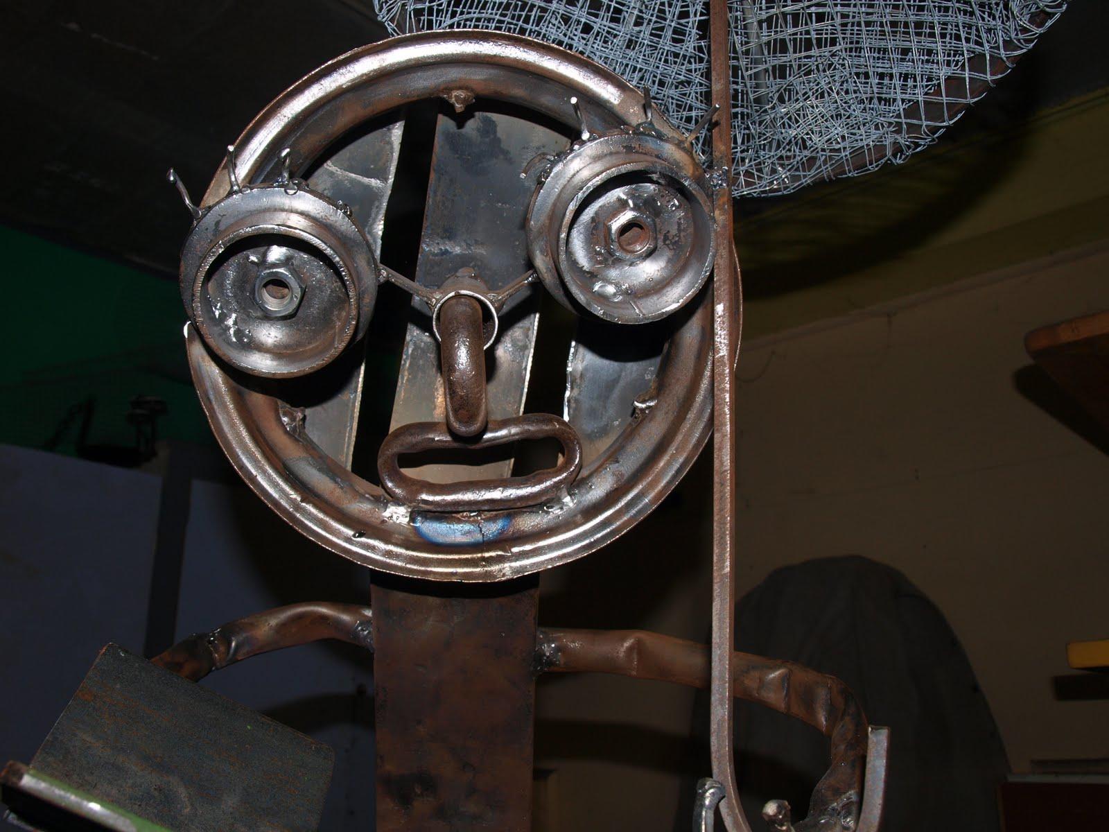 Arte forge mes cr ations en fer forg personnage for Personnage en fer pour jardin