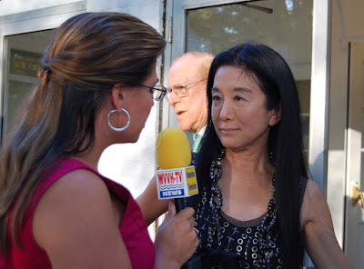 Nicole B. Brewer interviewing Vera Wang - Photo by Lisa Tamburini