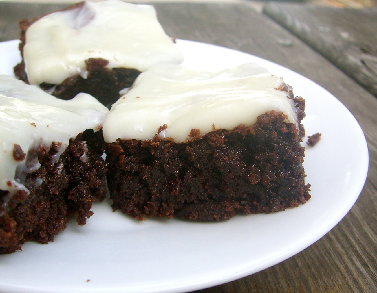 Triple Chocolate Fudge Brownies (with White Chocolate Cream Cheese ...
