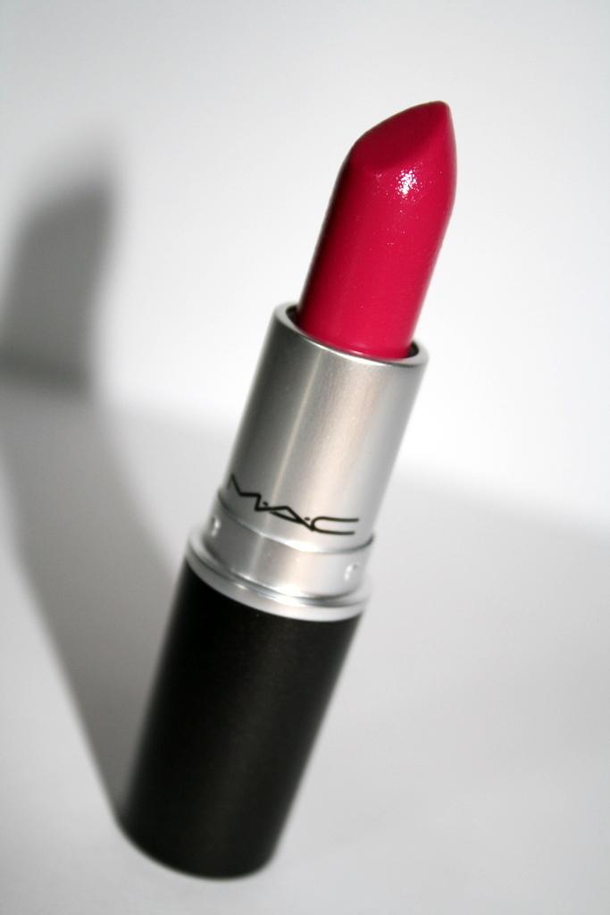 wishlist: MAC Lipstick Girl About Town