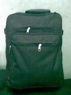 tas kantor berwarna hitam
