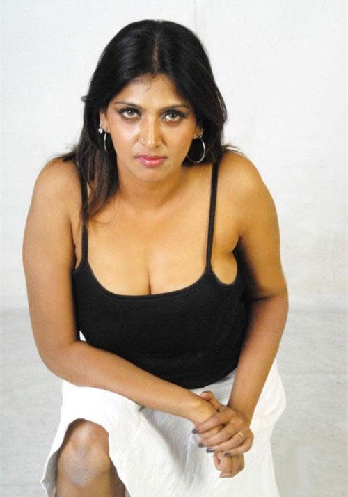 Hot Sey Actress Bhuvaneswari