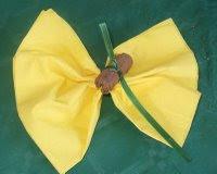 una farfalla gialla