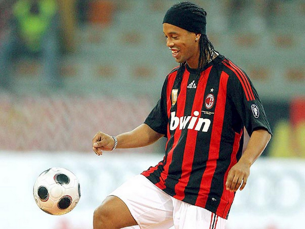 Mashababko wallpaper ronaldinho ac milan - Ronaldinho wallpaper ...