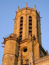 La torre dorada de la catedral de Aix