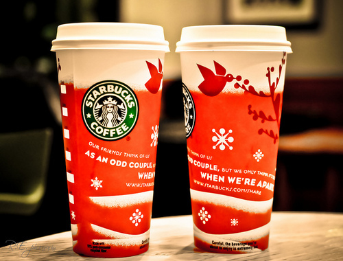 starbucks already has been giving warm to the people with its coffee and it is already in their reputation to serve their holiday drinks every christmas - Starbucks Merry Christmas