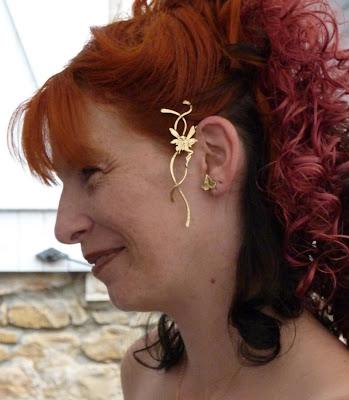 Bijou porté:le très élégant Tour d'oreille Vol elfique