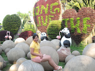 Noong Nooch Village with Cindy