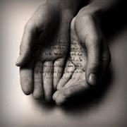 Palavras nas mãos