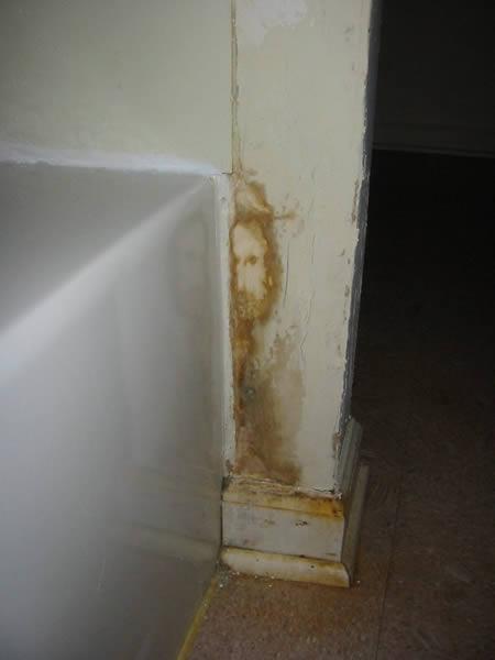 [a96756_a490_bathroom.jpg]