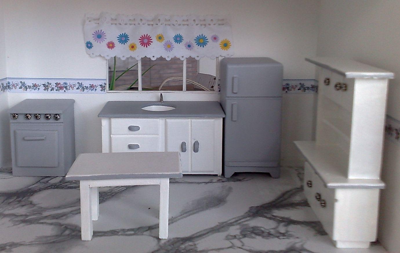 cozinha completa com fogão pia geladeira armário e mesa nas cores  #486077 1380 874