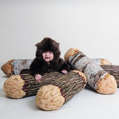 Faux Bois + Little kid dressed up as a bear
