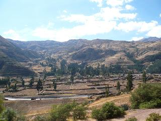 Vilcanota river in broad valley