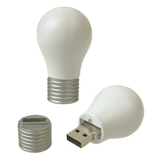 lightbulb USB flash drive