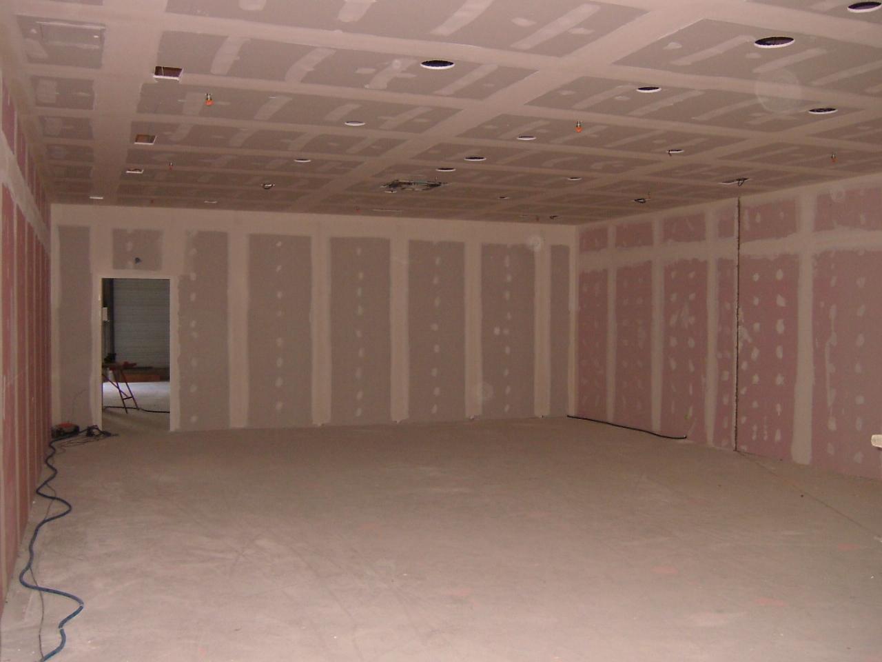 Eram cap vert bruz placo et plafond termin for Plafond combles placo