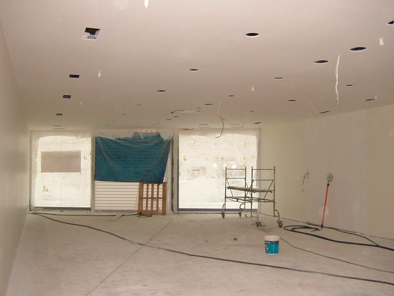 Eram cap vert bruz peinture plafond mur couche 1 et for Raccord peinture mur plafond