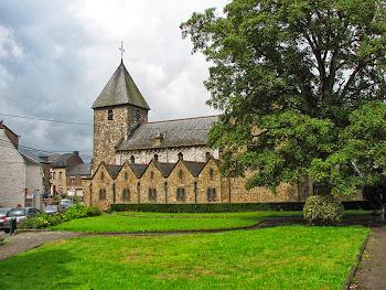 Den romanska kyrkan i Andenelle.