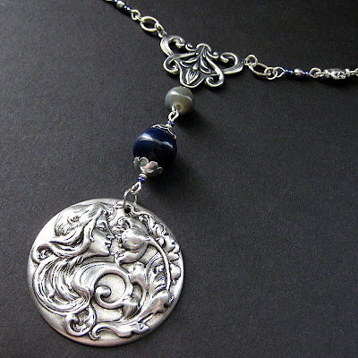 Art Nouveau Necklace in Silver