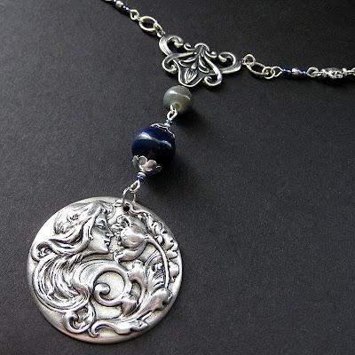Art Nouveau Necklace in Silver