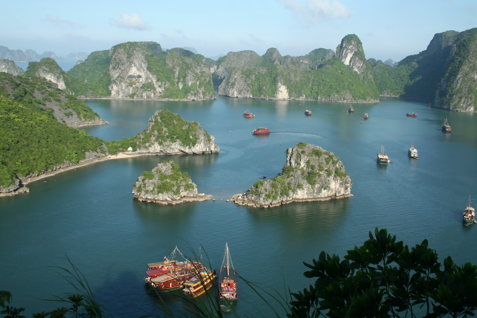 Halong Vietnam  City new picture : Welcome to Halong Bay Vietnam
