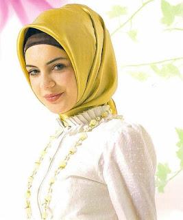Fikih Muslimah: Aurat Perempuan dalam Interaksi Sosial