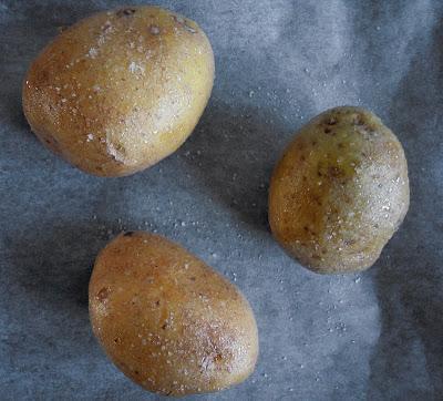 Patatas Horneadas con Salsa de Cebolleta Tierna y Cilantro