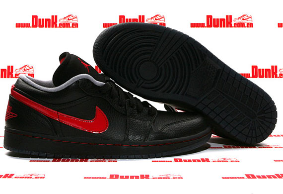 d69b1624e95 TRS Blog  Air Jordan 1 Phat Low – Black – Varsity Red – Stealth