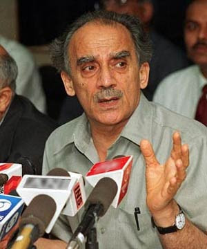 Arun Shourie Comments on BJP Leadership and Rajnath Singh