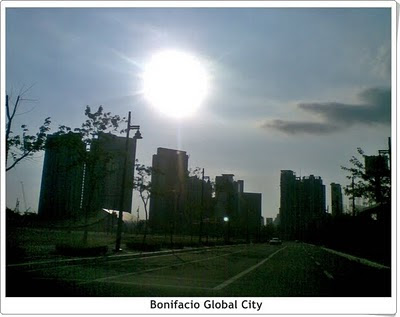 Bonifacio Global City road, traffic, road