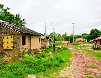 http://1.bp.blogspot.com/_x2tsYqz5q3c/TK2Vlloe9tI/AAAAAAAADig/ZtXHc9FYkHI/s400/Comunidade+Quilombola+de+Mamuna+em+Alc%C3%A2ntara.bmp