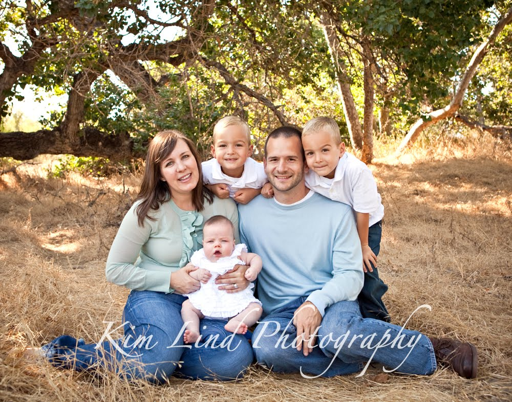 So They Get The Best Of Both Hereisnt This A Gorgeous Outdoor Family Portrait