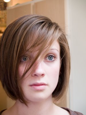short hairstyles for round faces pictures. short haircuts for round faces