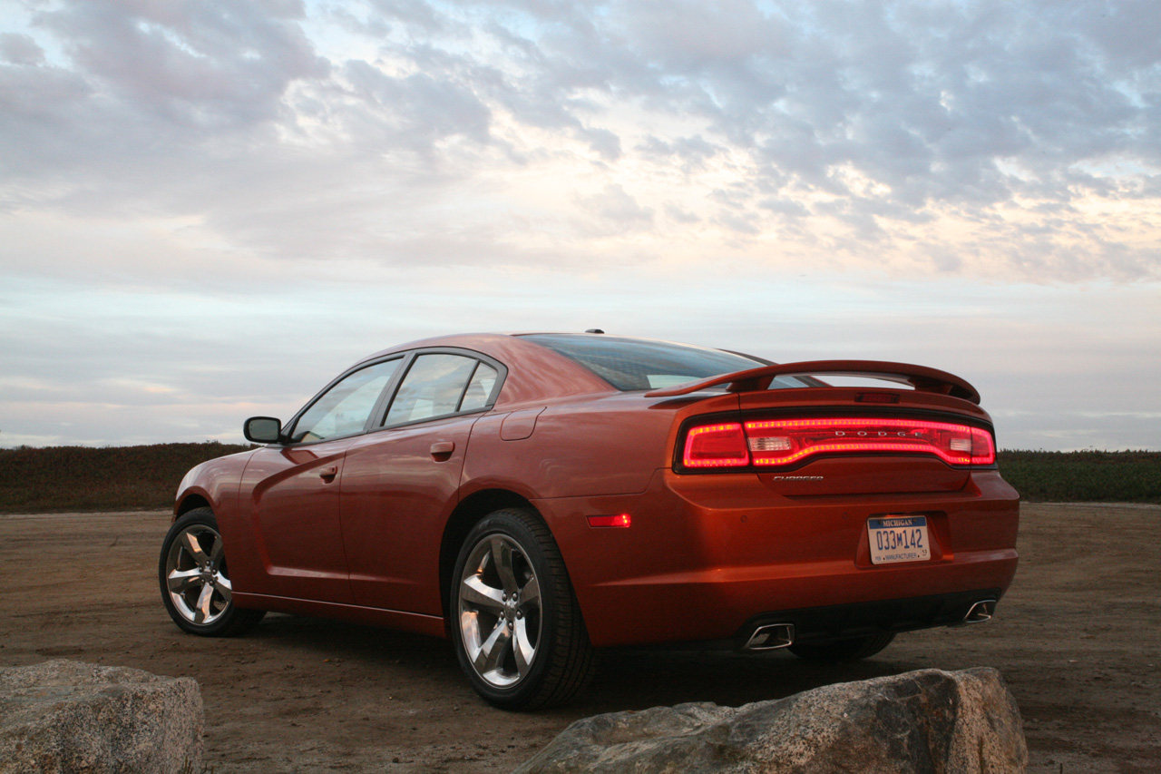 2010 Ford Taurus Sho Performance Parts 2010 Mustang Vs 2010 Dodge Charger | Autos Post