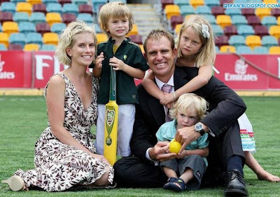 Cricketers with their Wives : Family Photos of Cricket Players