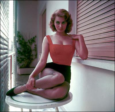 sophia loren. Style Hero: Sophia Loren
