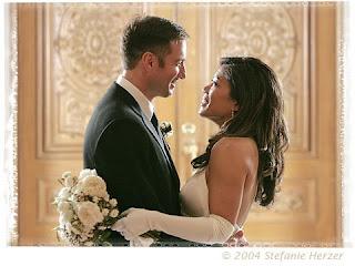 http://1.bp.blogspot.com/_xByzm9eSIEs/SIom84ENehI/AAAAAAAAAFc/5aTe3IlWlZw/s320/filipina+white+guy+wedding.jpeg