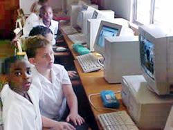 Acceso al conocimiento digital para 300 mil niños de todo el país