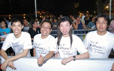 WhiteBeauty.myfrens.com: iPhone 3G launch at Singtel Comcentre ...
