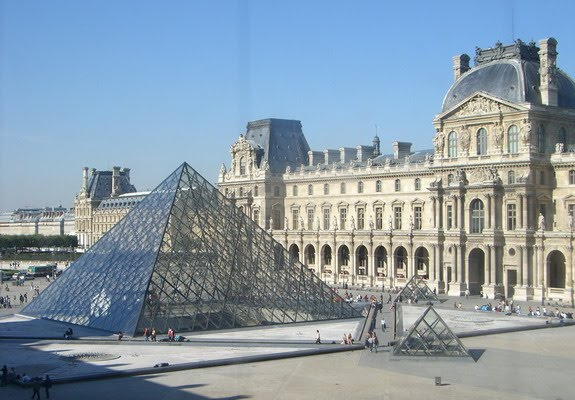 Mission esl computer lab the louvre museum in paris france from voice of - Construction of the louvre ...
