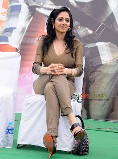 Old sexy actress Sri Devi latest Photos4