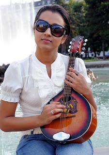 Actress Trisha Krishnan Beautiful Images Photoshoot images