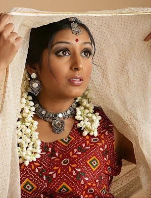 Padmapriya in Saree Photos unseen pics