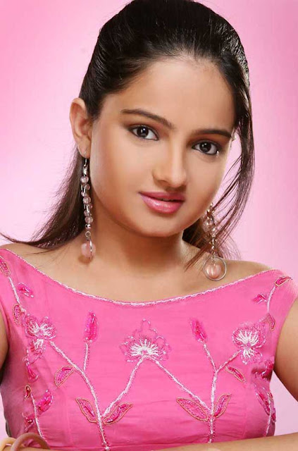 TV Actress Jiaa Manek Cute Photos wallpapers