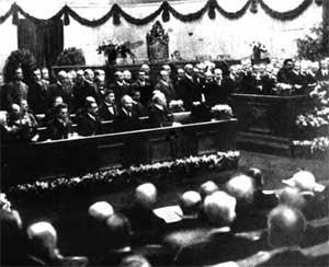 treaty of versailles weimar republic essay
