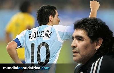 Riquelme cerró la puerta de la Albiceleste por su pelea con Maradona
