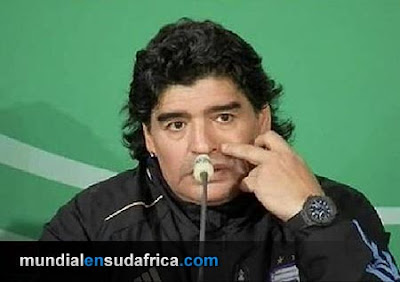 Maradona y su conferencia de prensa en Alemania